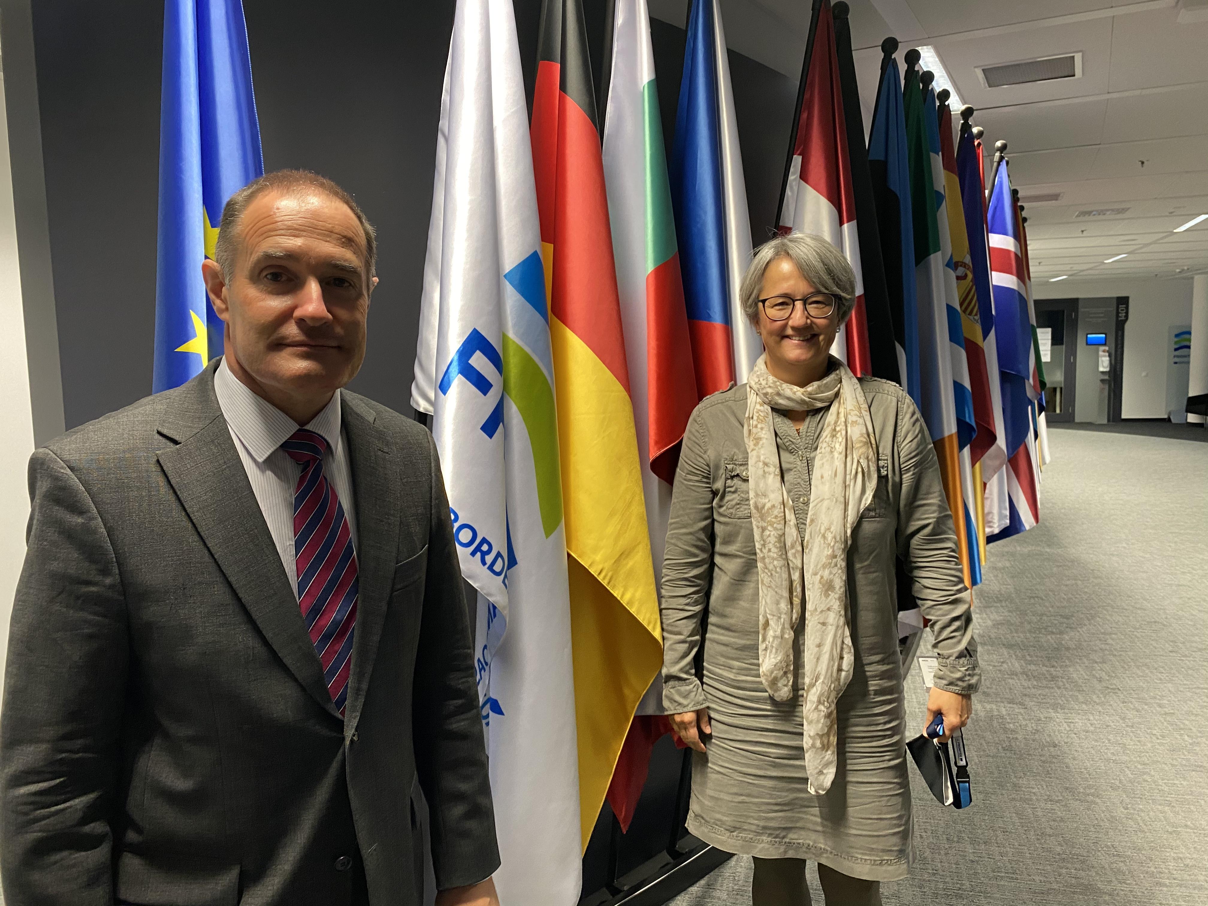 Die Uniform für das neue Standing Corps brachte sie zusammen: Frontex-Direktor Fabrice Leggeri und Andrea Rechtsteiner bei einem Treffen in Warschau.